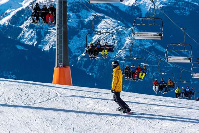 Want to Try Snowboarding? Here are the Things to Prepare 4