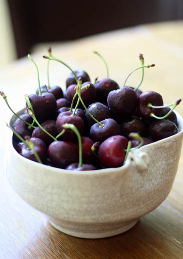 Bowl of cherries | ZoëBakes | Photo by Zoë François