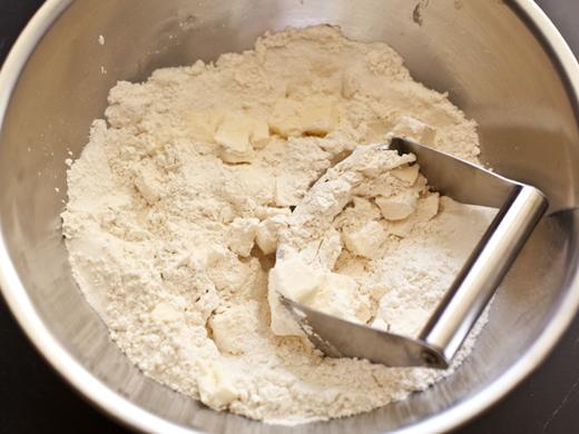 Blending flour and butter | ZoëBakes | Photo by Zoë François