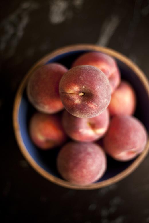 Bowl of fresh peaches | ZoëBakes | Photo by Zoë François