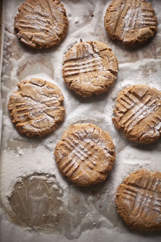 Peanut butter cookies doused in sugar