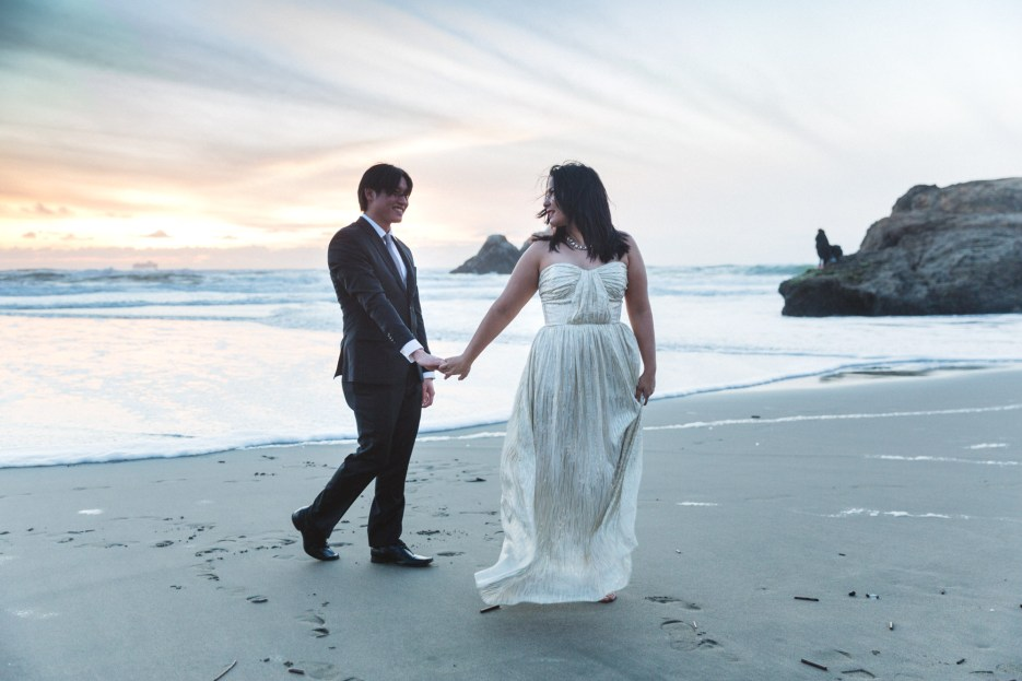 engaged couple photography at sunset on ocean beach san francisco