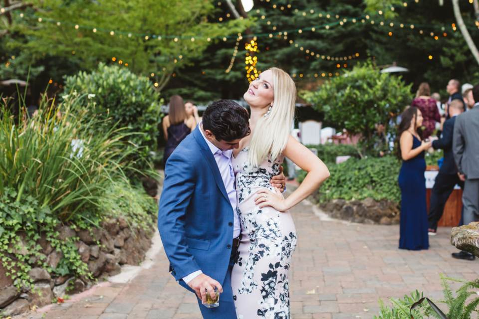 For and against hiring an affordable wedding photographer