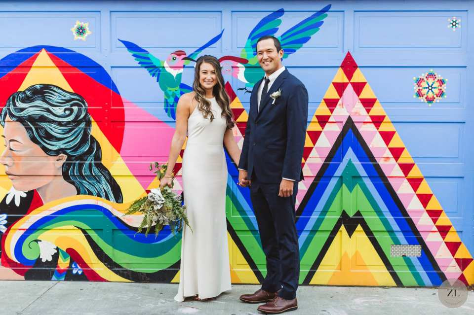 Best areas in the Mission District for colorful wedding photography - Balmy Alley wedding