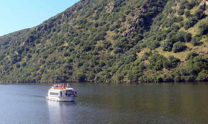 Crucero fluvial por el río Tajo.