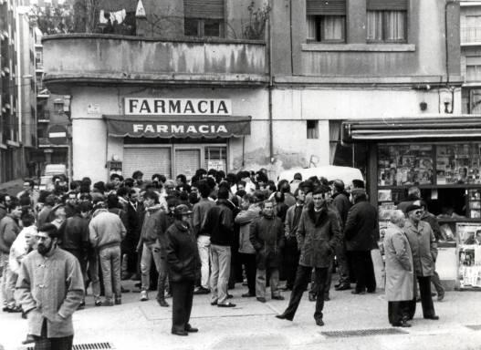 Imágenes del rastro en la Plaza del Oeste, procedentes del archivo fotográfico de La Gaceta Regional.
