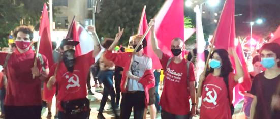 המחאה ההמונית הנמשכת נגד ממשלת הימין: עוד לא מהפכה – אך צעד חשוב
