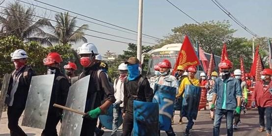 ארגוני העובדים ממלאים תפקיד מרכזי במאבק נגד ההפיכה הצבאית במיאנמר