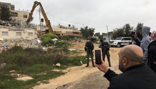 בפעם השישית: כוחות הכיבוש הרסו את ביתה של משפחה פלסטינית בעיסאוויה