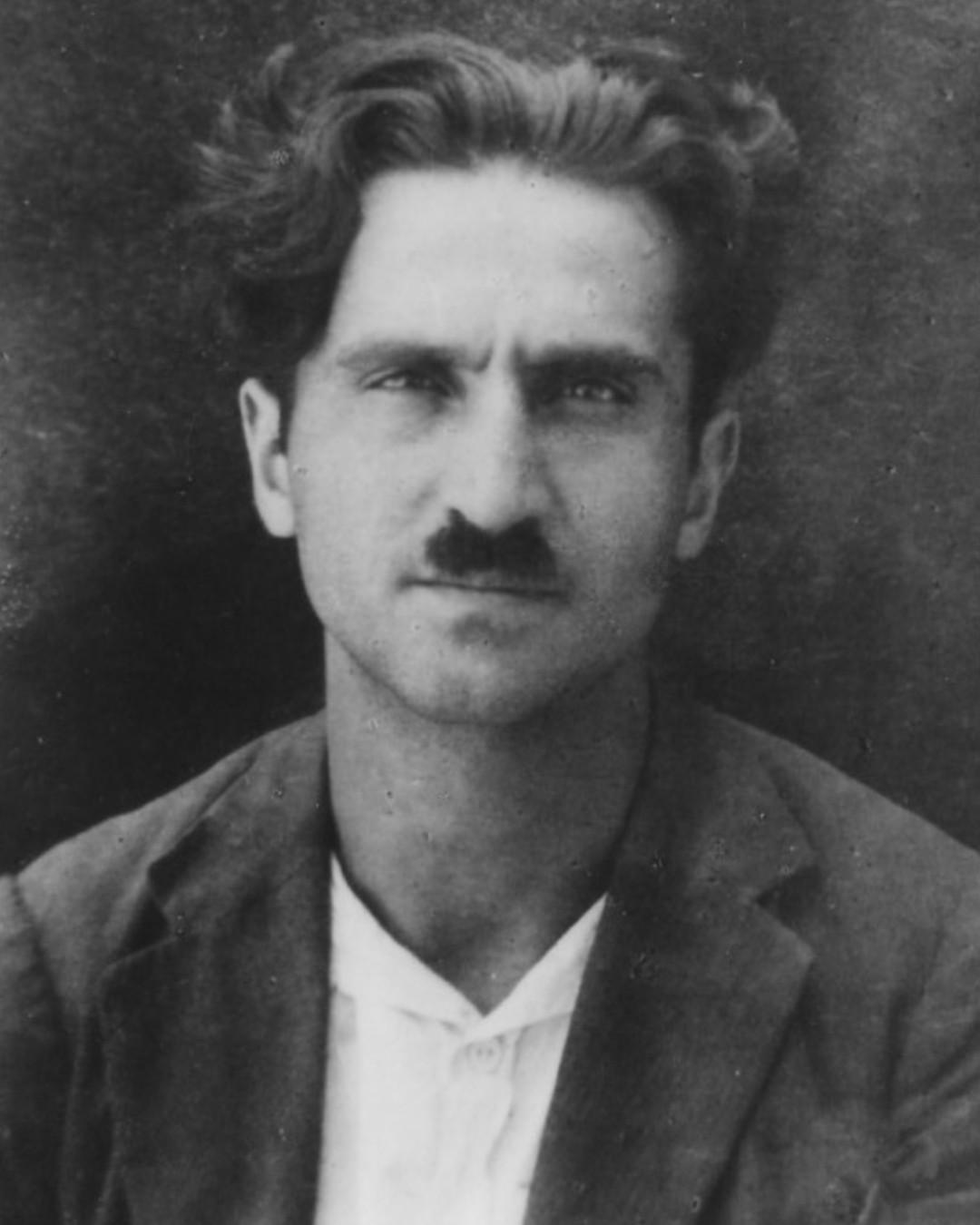 לוחם אנטי פאשיסטי ומנהיג קומוניסט פלסטיני: מוחמד נג'אטי סידקי נולד ב-15 במאי 1905
