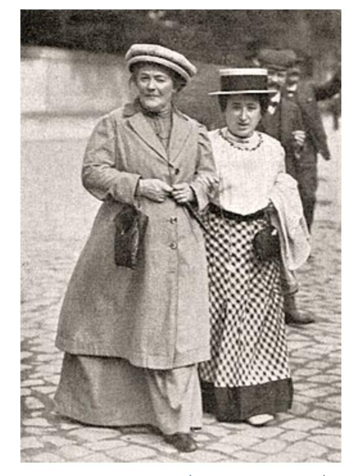 המהפכנית הקומוניסטי קלרה צטקין ממנהיגות האינטרנאציונל השני מתה בקרבת מוסקבה ב-20 ביוני 1933