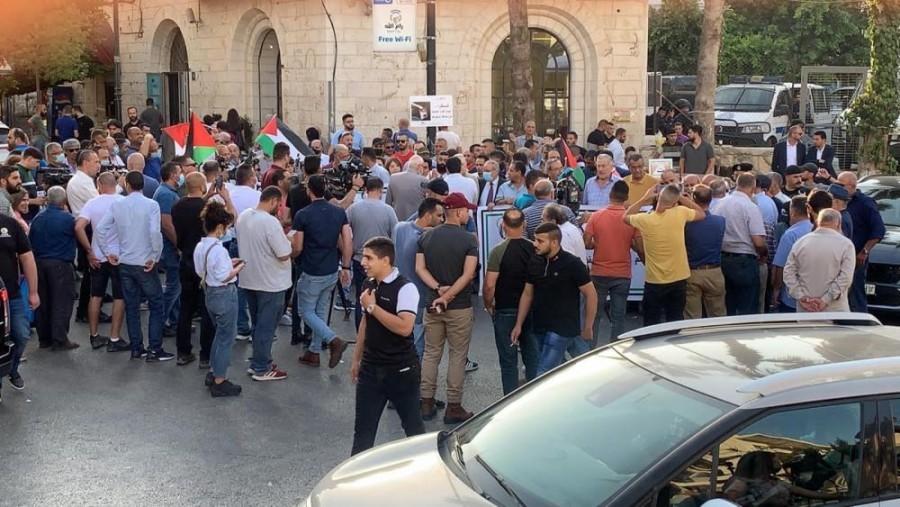 ללא עצורים: במרכז רמאללה הפגינו נגד סתימת פיות ברשות הפלסטינית