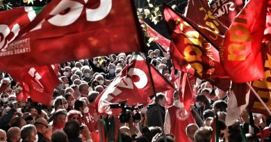 לעולם לא עוד פשיזם: איגודי העובדים באיטליה קוראים להפגנת ענק ברומא למען הדמוקרטיה