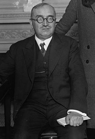 Ο Paul Claudel το 1927