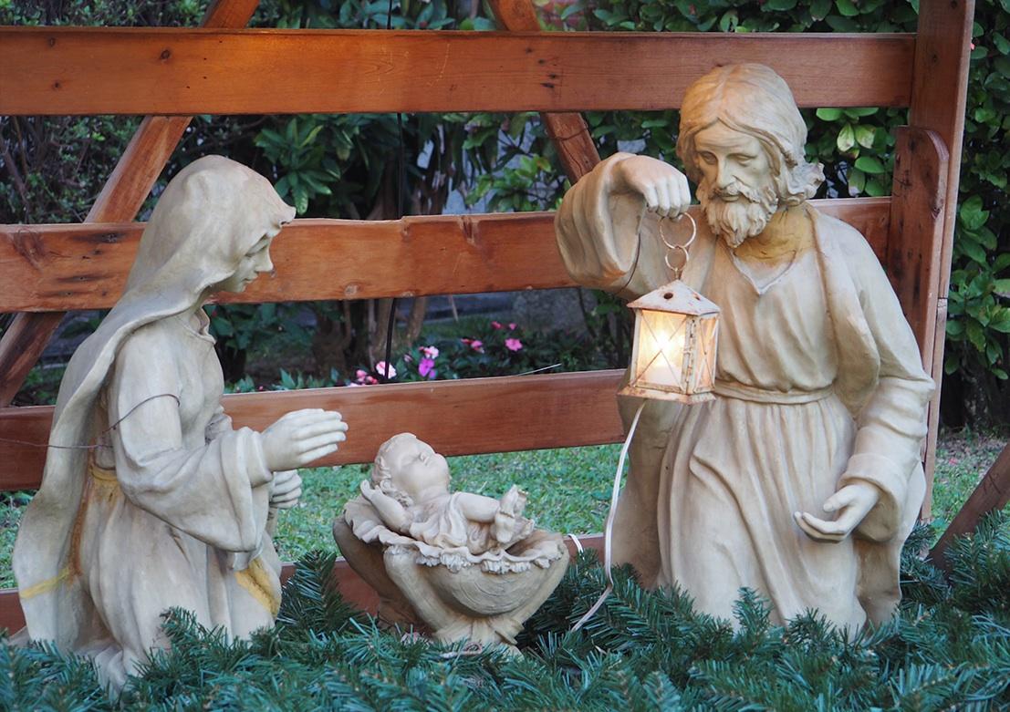 nativity_outisde copy