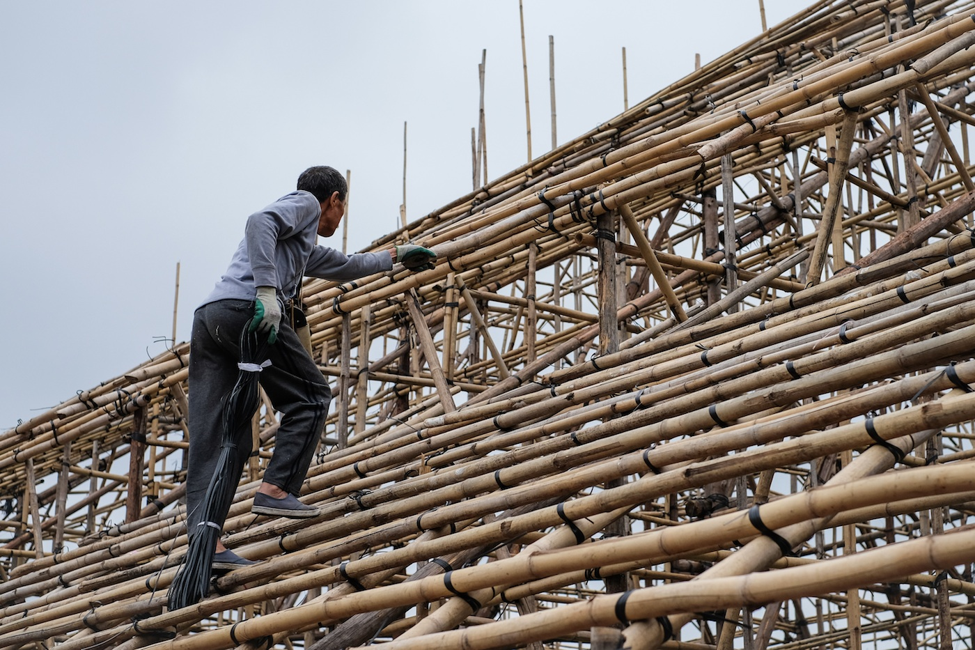 Forgotten Hong Kong Icon: Bamboo Scaffolder to the Gods ...