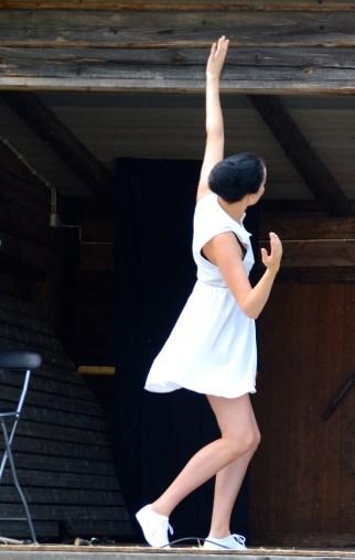 Ida dansar sommardans