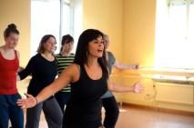 Marlene peppar gruppen under koreografiarbetet