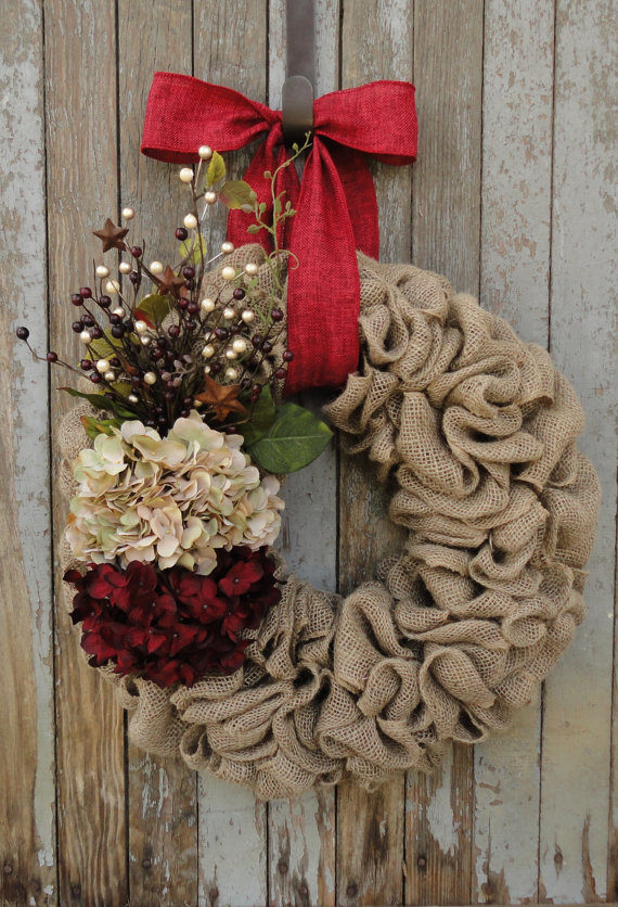 10 Fabulous Holiday Wreaths You Need For Your Home
