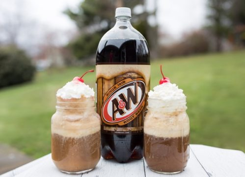 Perfect Root Beer Float Recipe - Pretty My Party