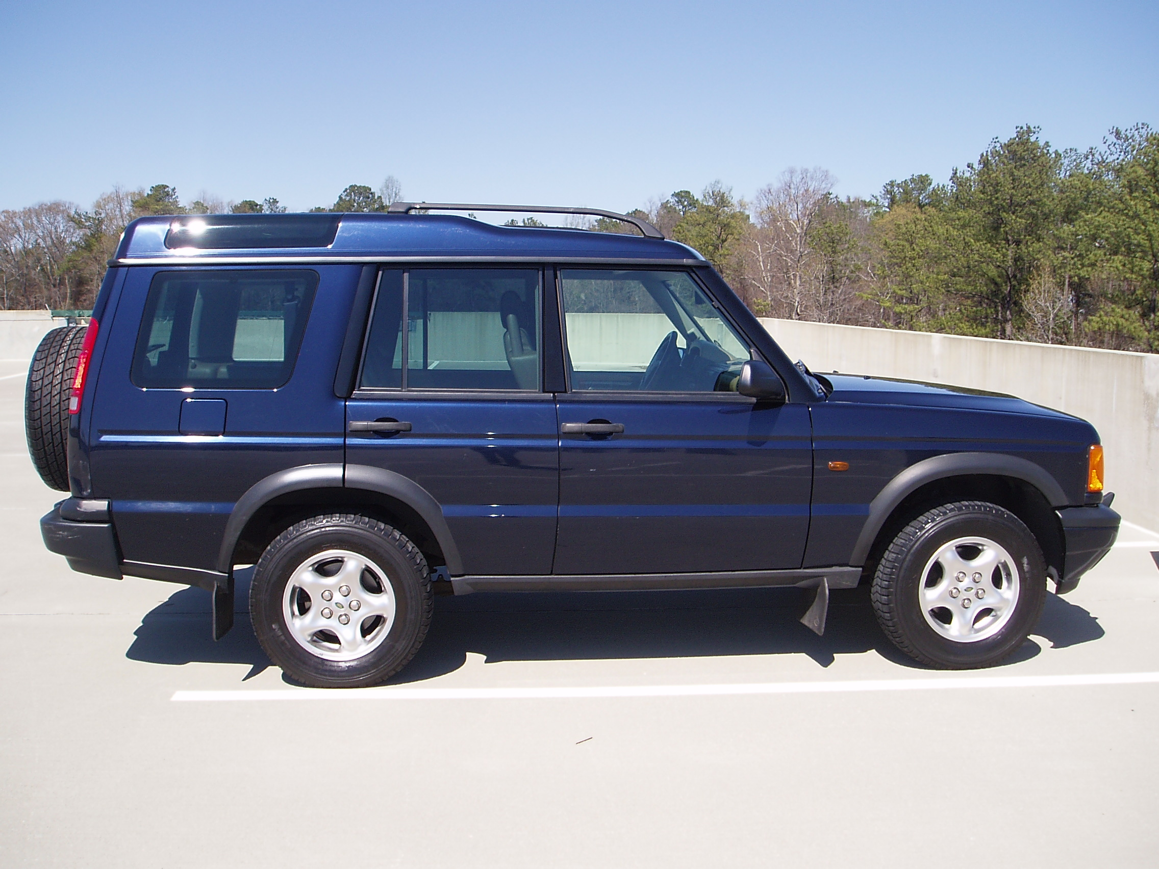 2000 Land Rover Discovery Series II Information and photos