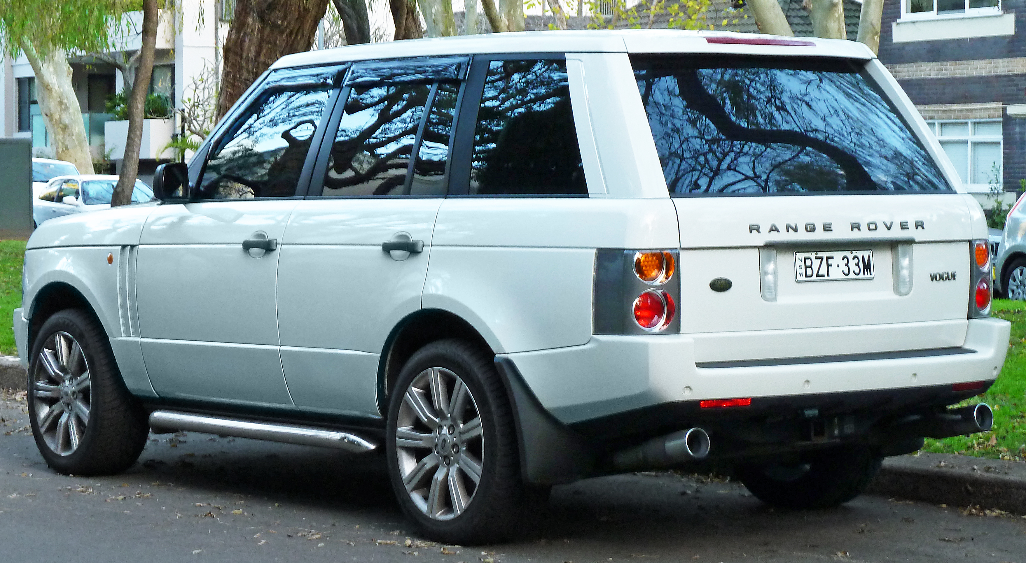 2003 Land Rover Range Rover Information and photos ZombieDrive