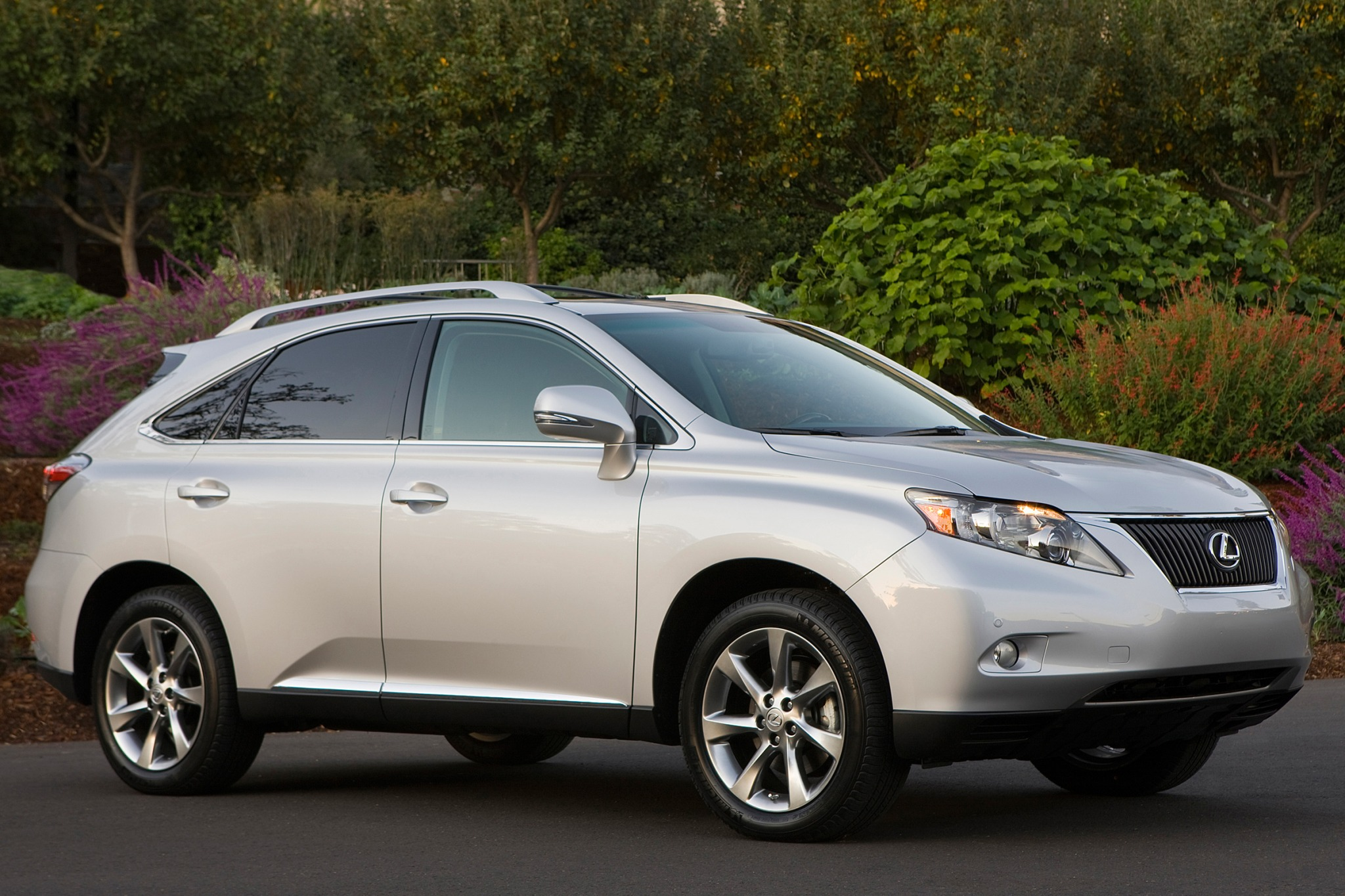 2010 Lexus RX 350 Information and photos ZombieDrive