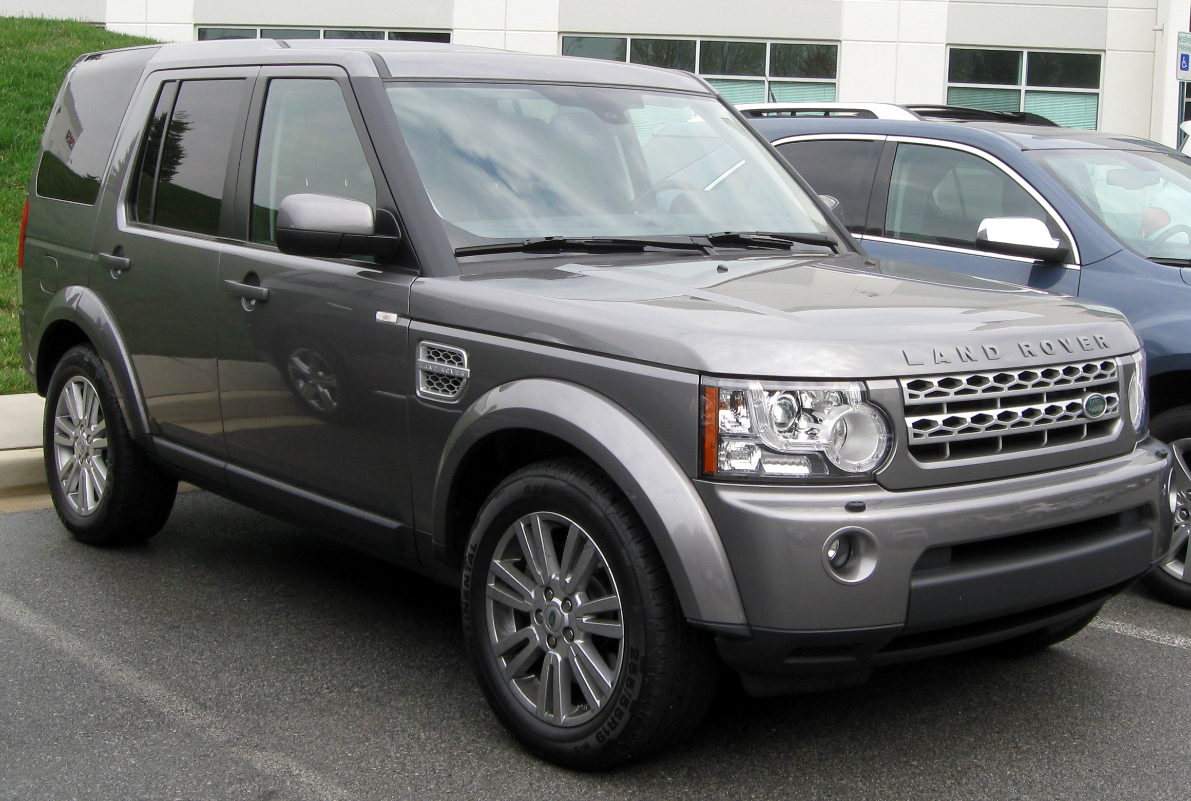 2011 Land Rover LR4 Information and photos ZombieDrive