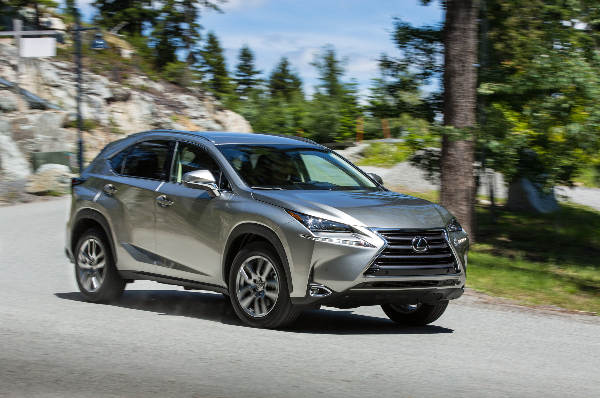 2015 Lexus NX 300h Information and photos ZombieDrive
