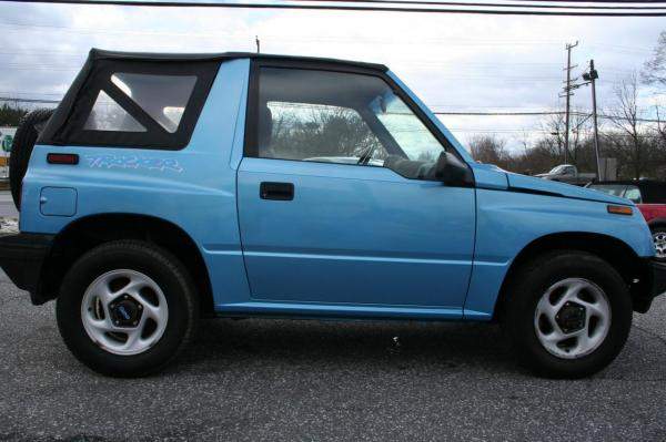 1995 Geo Tracker - Information And Zomb Drive