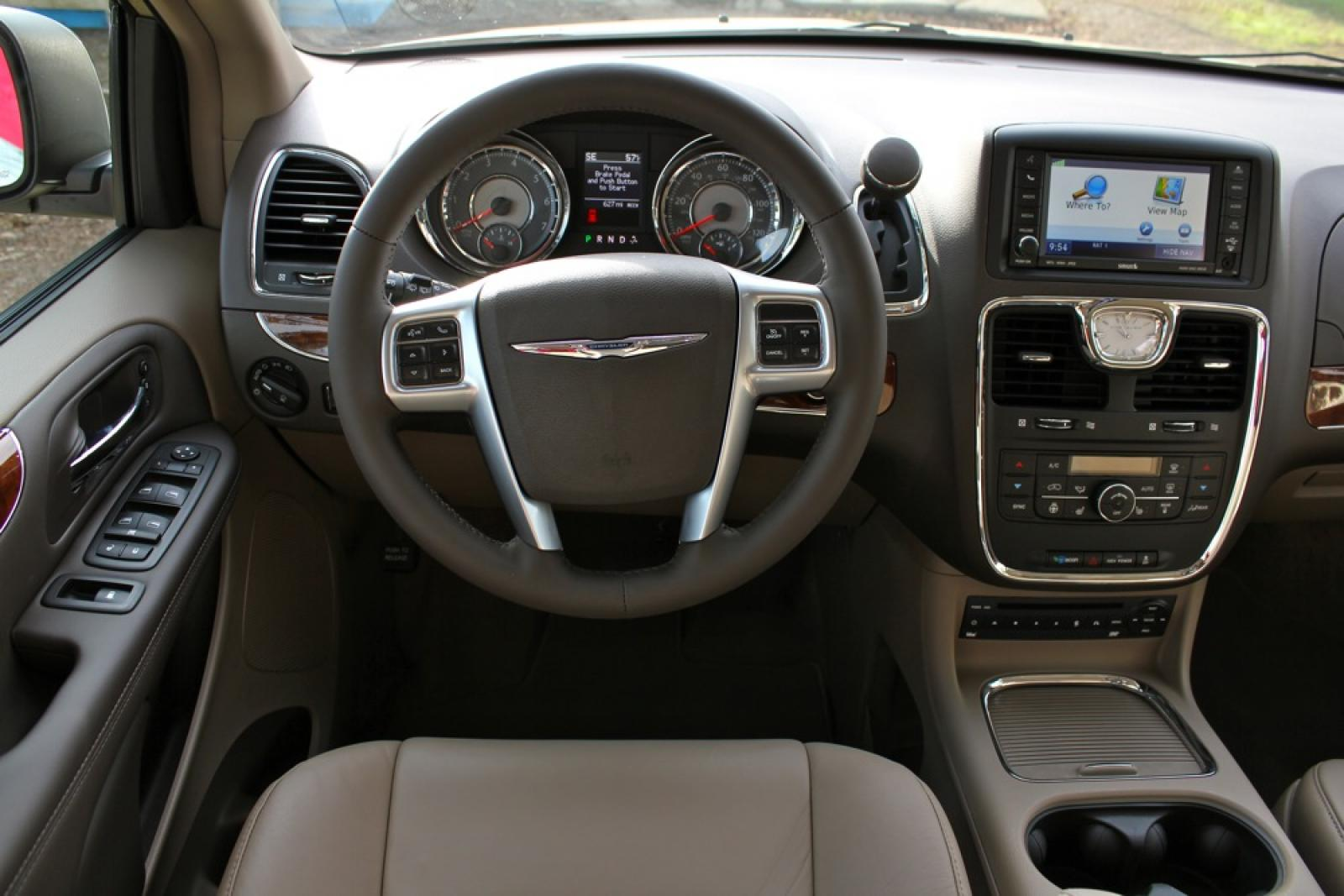 hight resolution of 2016 chrysler town and country 4