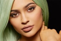 kylie-jenner-lip-kit-011316-620x413
