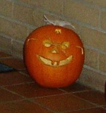 mike-pumpkin-2005oct28