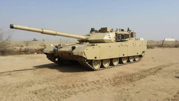 MBT-3000/VT-4 durante ensayos de combate en Pakistán