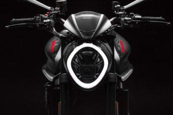 Ducati Monster 2021 14