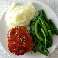 Individual Cheddar Meatloaves for Two - serves 2