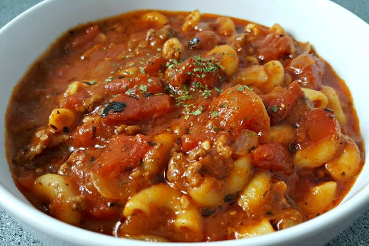 Easy One Pot American Goulash Recipe for two - one pan, ready in 40 minutes