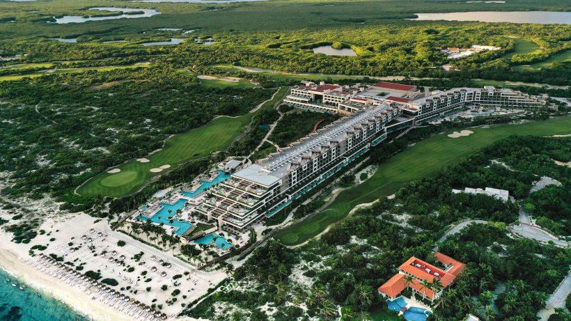 ATELIER • ESTUDIO Playa Mujeres