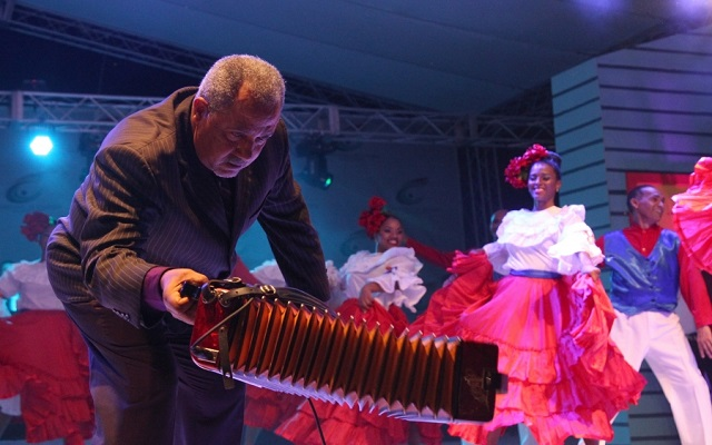 Francisco Ulloa celebra 50 aniversario en la música típica dominicana |  ZonaEsteRD