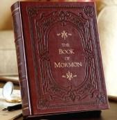 """Actualmente se vende una edición del Libro de Mormón denominado """"edición de la herencia"""". El cual está ilustrado con más de 50 imágenes de la artista mormona Minerva Teichert. Esta edición la puede conseguir aquí."""