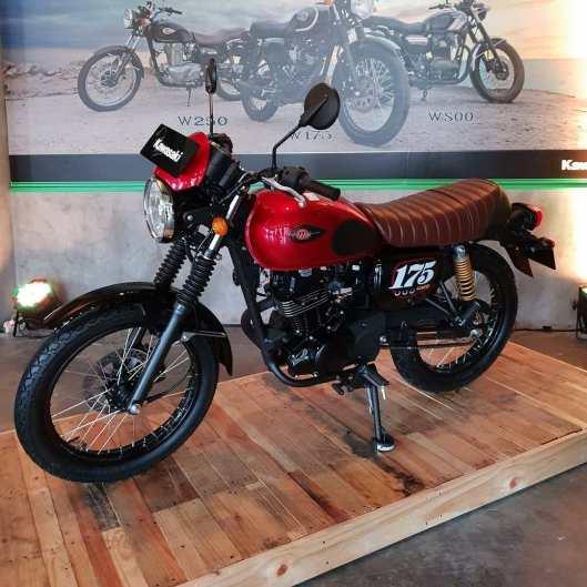 Kawasaki-W175-Cafe-Racer-2019-Merah