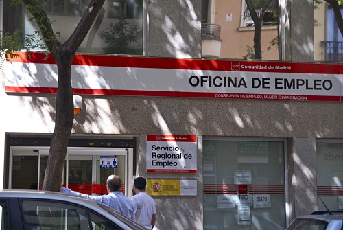 Zona retiro parados madrile os ya no cobran for Oficina empleo goya
