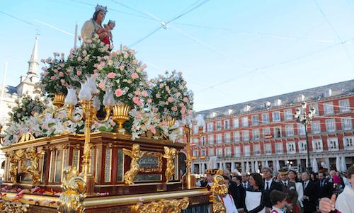 Inicio de la procesión del 9 de noviembre de 2013 - Ayto
