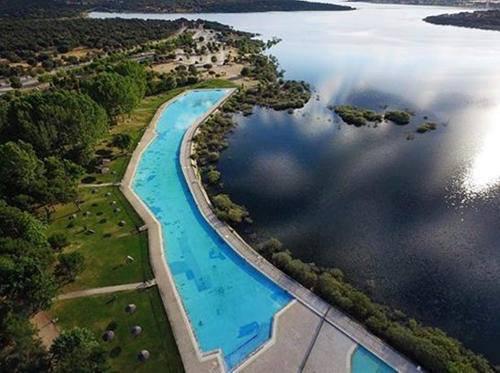 zona retiro abre la piscina de metros de buitrago