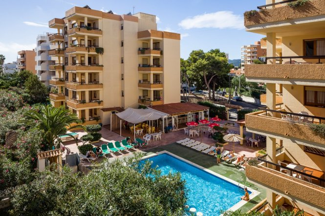 Playa D En Bossa Ibiza These Apartments Form Part Of The Famous Jet Complex And Are Just 300 Metres From Beach In A Quiet Street Very Close To All