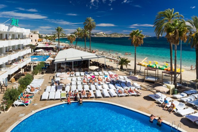 Playa D En Bossa Ibiza Large Apartment Complex Directly On The Beach And In Centre Of A Favourite With Clubbers Fantastic