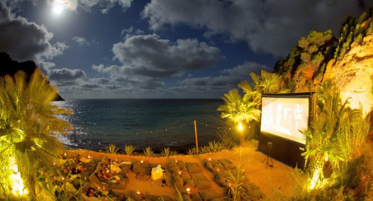 most comfortable beach chair lycra covers hire brisbane midnight open-air cinema at amante club | ibiza spotlight