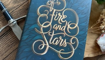 Of Fire and Stars (Of Fire and Stars #1) – Audrey Coulthurst