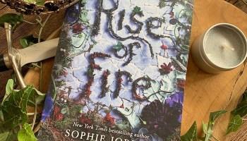 Rise of Fire (Reign of Shadows #2) – Sophie Jordan