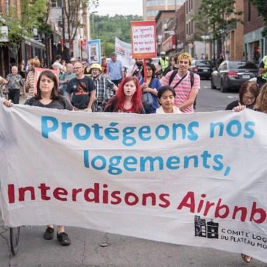 Manifestation contre AirBnB organisée par le Comité Logement du Plateau Mont-Royal.